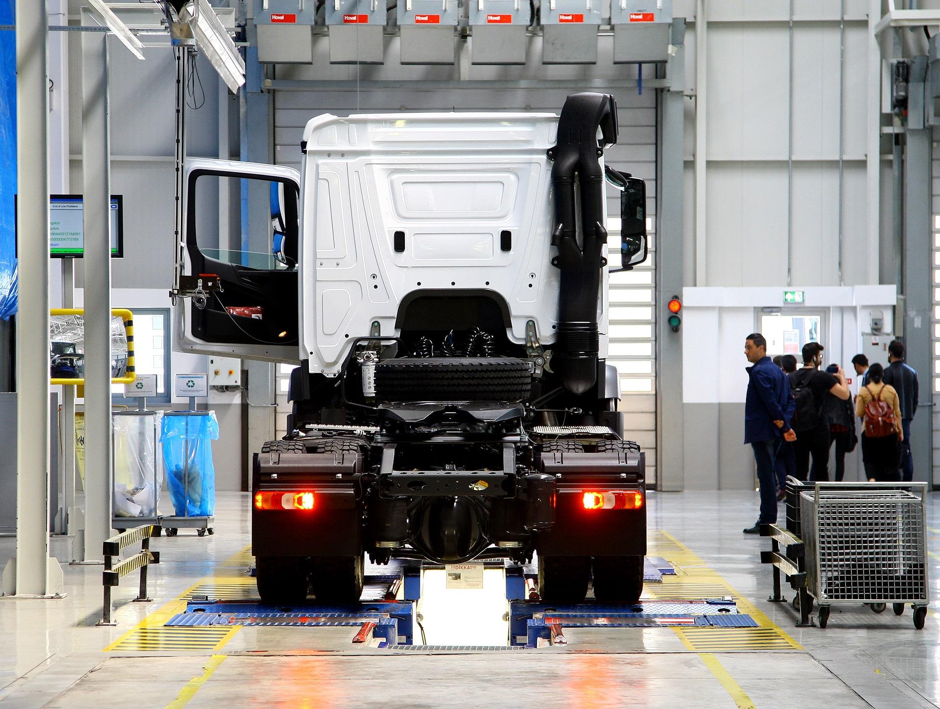 Sistemi di chiusura per automotive e trasporti